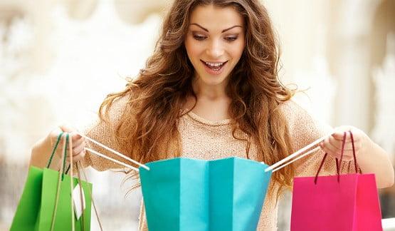 Miess Sex Shop Mulher fazendo compras
