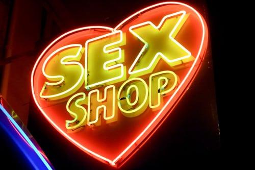Os melhores 6 motivos para visitar um Sex Shop