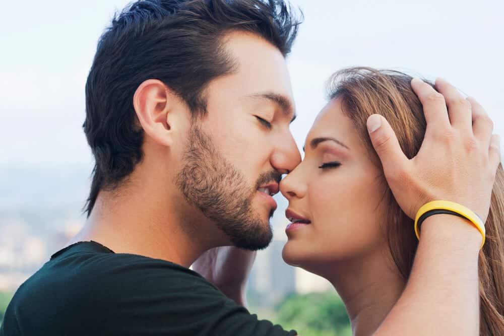 Beijo grego aprenda como fazer?