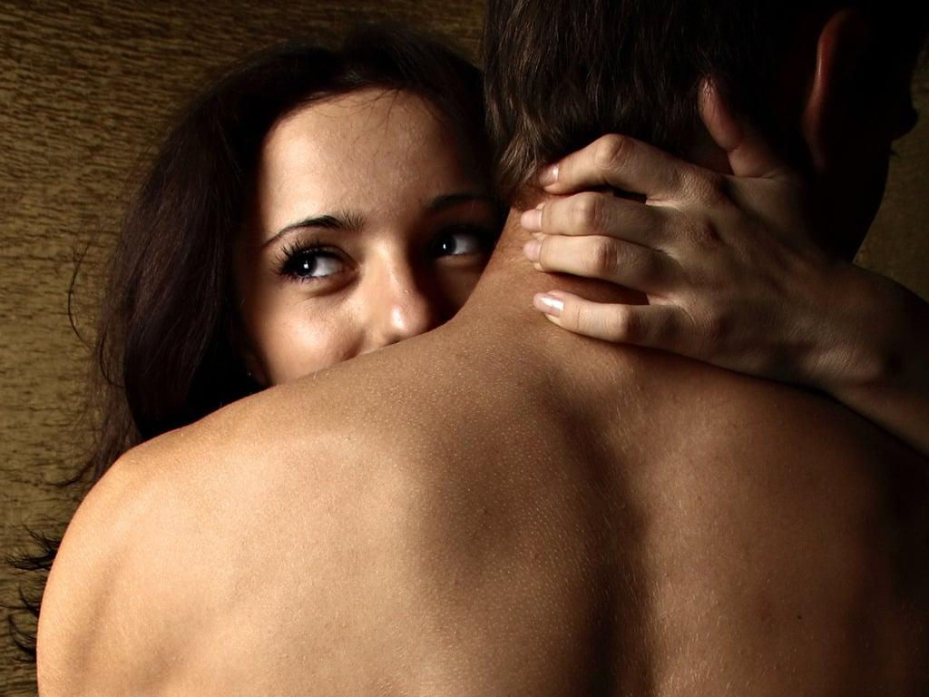 5 Dicas de como fazer o beijo grego no seu parceiro