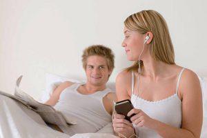 Conheça 5 playlists e músicas para fazer sexo