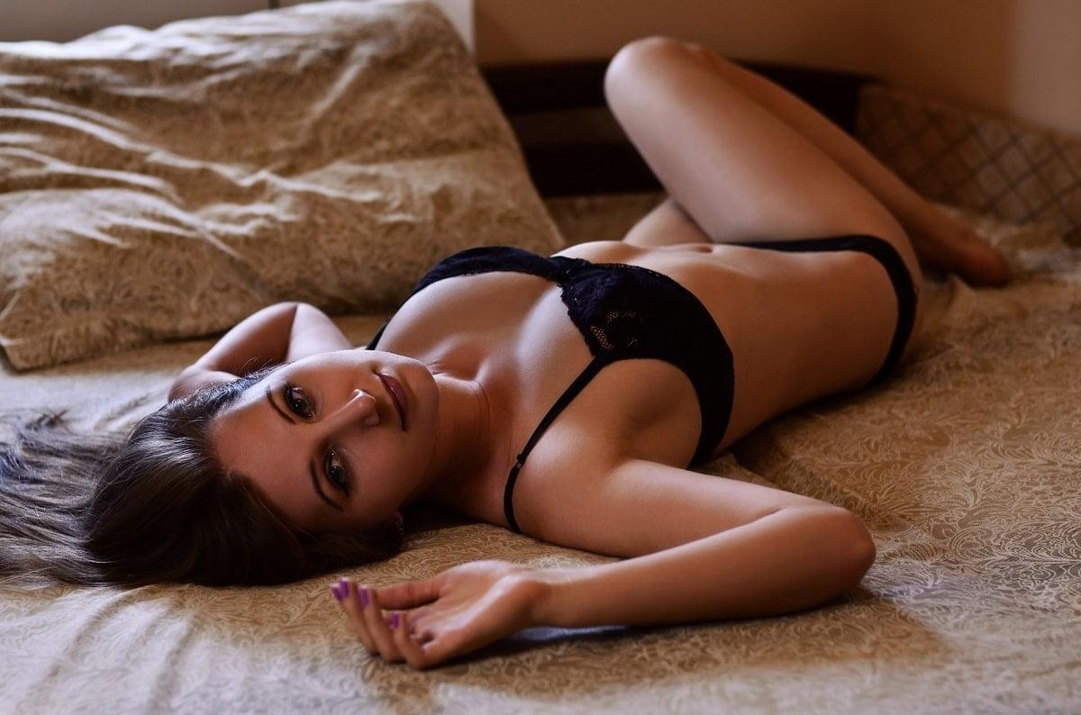 Por que os homens gostam tanto de lingerie preta?