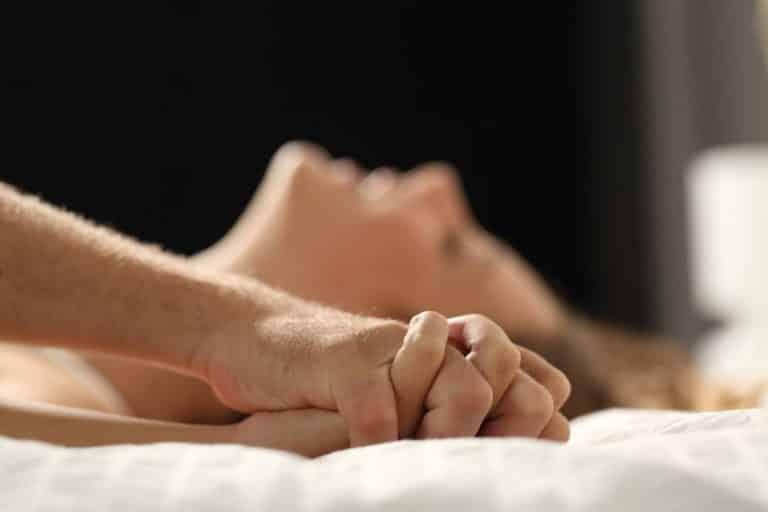 Como fazer a mulher chegar ao orgasmo no sexo oral