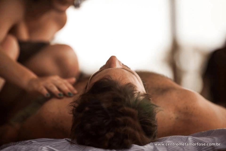 Técnicas de massagem tântrica para esquentar a relação